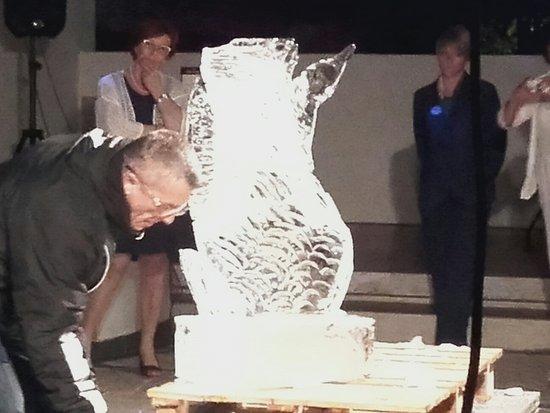 Hotel Terme Metropole: Stupenda attività come creare una statua di ghiaccio
