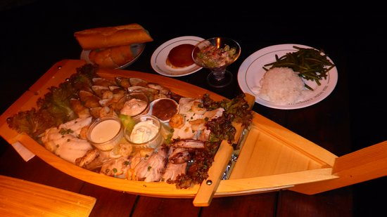 Haapiti, Французская Полинезия: Boat of fish for 2 persons delivered on order