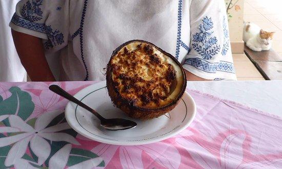 Haapiti, Французская Полинезия: Coconut dessert - better to avoid