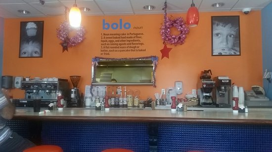 Plainville, CT: Breakfast and lunch at Bolo's.