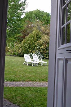 Gaillon, Frankrike: vue depuis la porte d'entrée de la chambre julie