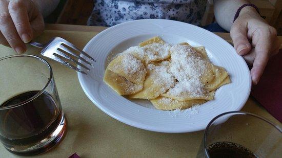 Scopello, Italia: Pranzo di un  lunedì di agosto