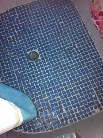 Cala Llenya, Spagna: shower floor