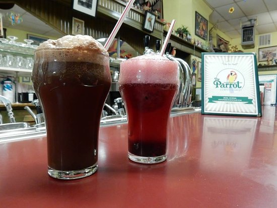 The Parrot Confectionery: huckleberry freeze phosphate and a chocolate ice cream soda