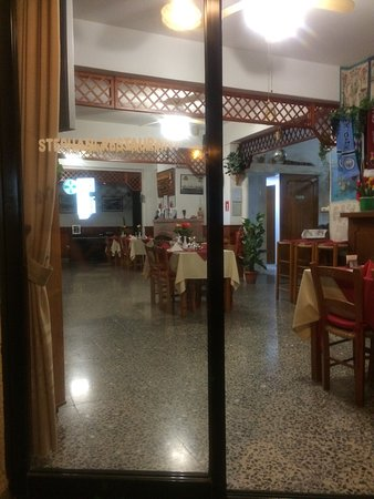 Tala, Chypre : The inside part of the restaurant