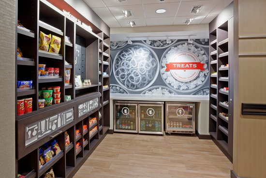 Roseville, MN: Grab some snackage for your room from the Market