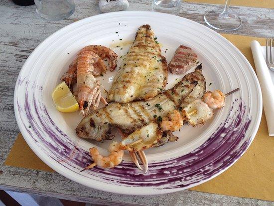 Grigliata di pesce accompagnata da un ottimo verdicchio for Pomodoro senigallia