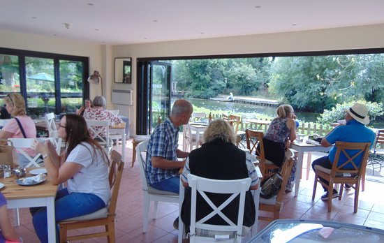 East Bergholt, UK: Riverside Tea Rooms
