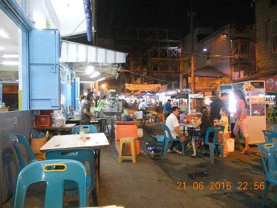 Pasar Malam: pusat kuliner di jl. semarang, medan.