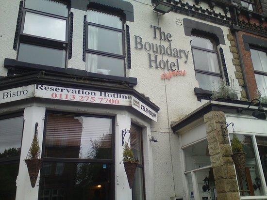 Headingley, UK: Reservation Hotline