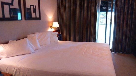 Hotel Ciudad de Castelldefels: Habitación