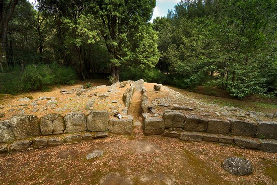 Lanusei, Italia: La tomba dei giganti Seleni I