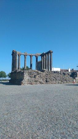 Templo Romano de Évora (Templo de Diana): IMG_20160822_094729_large.jpg