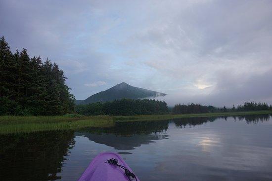 Dingwall, Canadá: Sunrise kayaking in Aspy Bay.