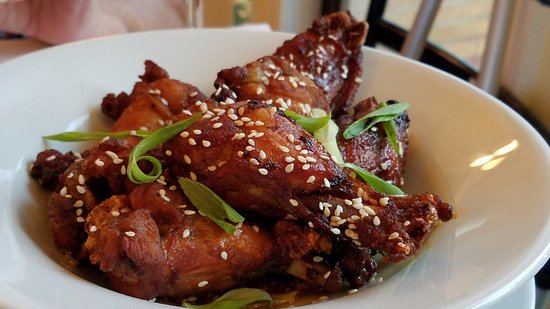 Bistro Poplar: Chicken Wings with Asian Flavor