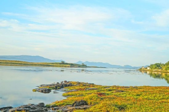 Breakish, UK: Shore down from Tigh Eilidh