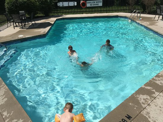 St. Marys, Kanada: Westover Inn - Pool - July 31 2016
