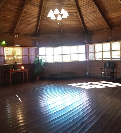 Torrelles de Foix, İspanya: Pergola sala Ayni para reuniones