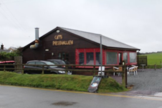 Morfa Nefyn, UK: This is a photograph of the outside of Caffi Porthdinllaen