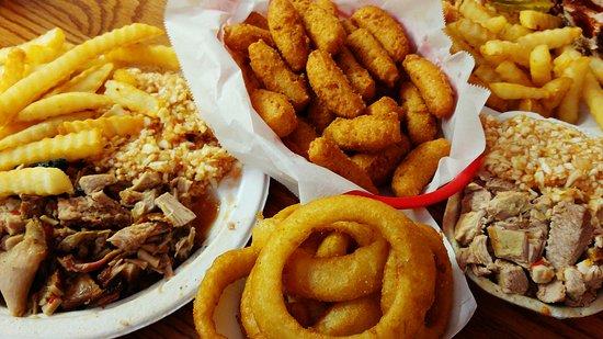 Λέξινγκτον, Βόρεια Καρολίνα: Barbecue Center Q dishes