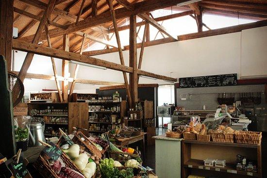 Sluderno, Italia: Store