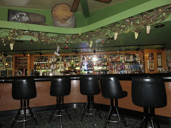 Kenosha, WI: bar