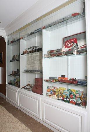 La Plata, MO: Hallway Memorabilia