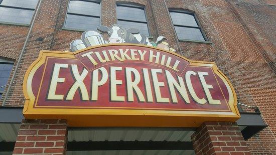 Columbia, Pensilvania: Turkey Hill Experience!