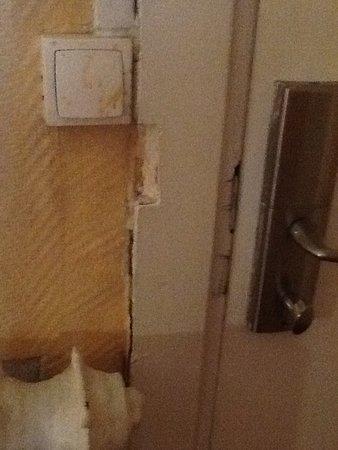 Hotel Altona: Porte de la chambre