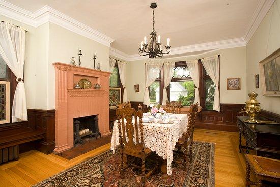 Brookline, MA: Dining Room