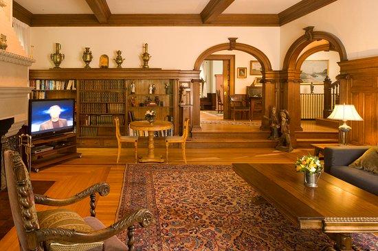 Brookline, MA: Living Room