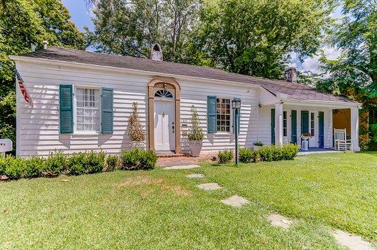 Steele Cottage