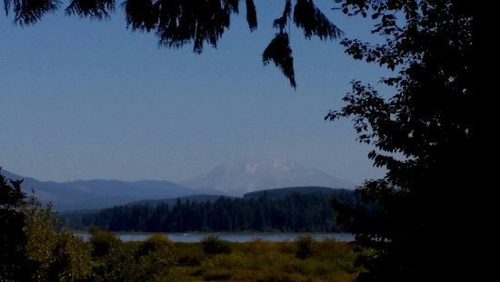 Castle Rock, WA: This is the view from the visitor's center and I zoomed in. It was hazy.