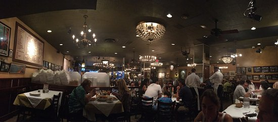Carmine S Italian Restaurant Times Square Photo0 Jpg