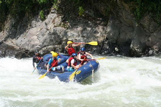 San Isidro de El General, Costa Rica : Enjoying the river!