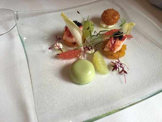 Gilpin Hotel & Lake House: This lobster dish was an amazing burst of different flavours, incredibly prepared