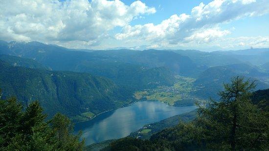 Bohinjsko Jezero, Σλοβενία: Vista del lago Bohijn desde Vogel