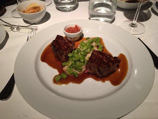 Tomo I: Salmon salad/main course/pomelo desert