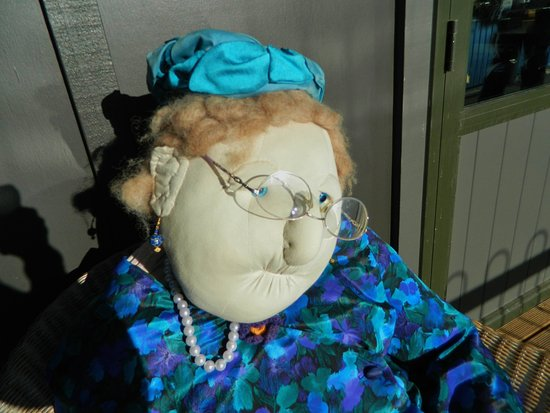 Blenheim, Nieuw-Zeeland: The Vines Village - Cute doll