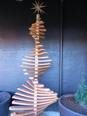 Blenheim, Nova Zelândia: A wooden Christmas tree. Why not!