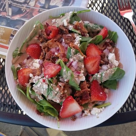 Eagle, ID: Strawberry & Spinach Salad