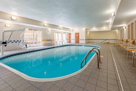 Stevens Point, WI: Indoor Pool & Hot Tub
