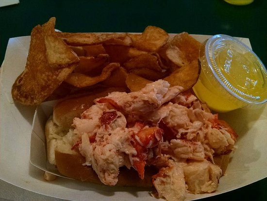 Sawyers : Love the Lobster Roll!
