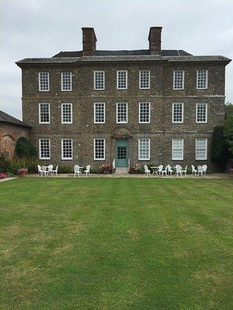 The Kingston Estate Picture