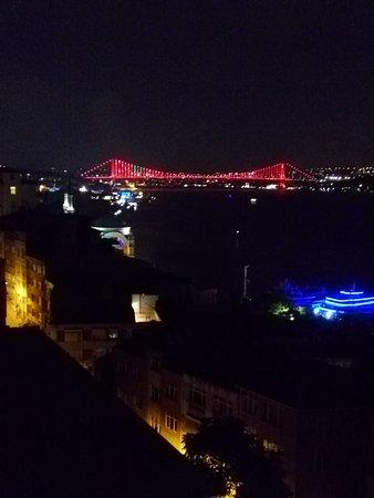 Sed Hotel: otel terasından boğaziçi köprüsümanzarası