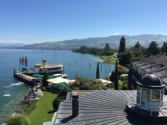 Horn, Svizzera: Aussicht vom Zimmer auf See und Anleger der MS EMILY