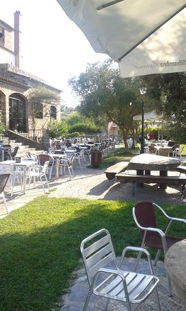 Encinasola, Hiszpania: A nice patio for a drink