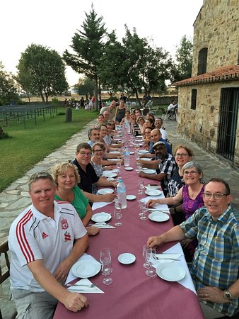 Encinasola, Spain: They took care of our group like we were family