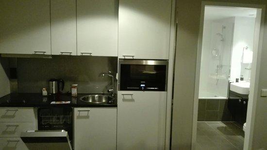 Adina Apartment Hotel Berlin Hauptbahnhof: IMG_20160815_222832_large.jpg