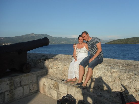 Korcula Island, Croacia: The old canons overlooking Korcula harbour - very romantic!